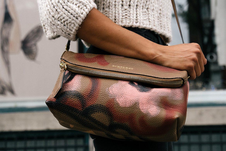 Der Handtaschen-Check