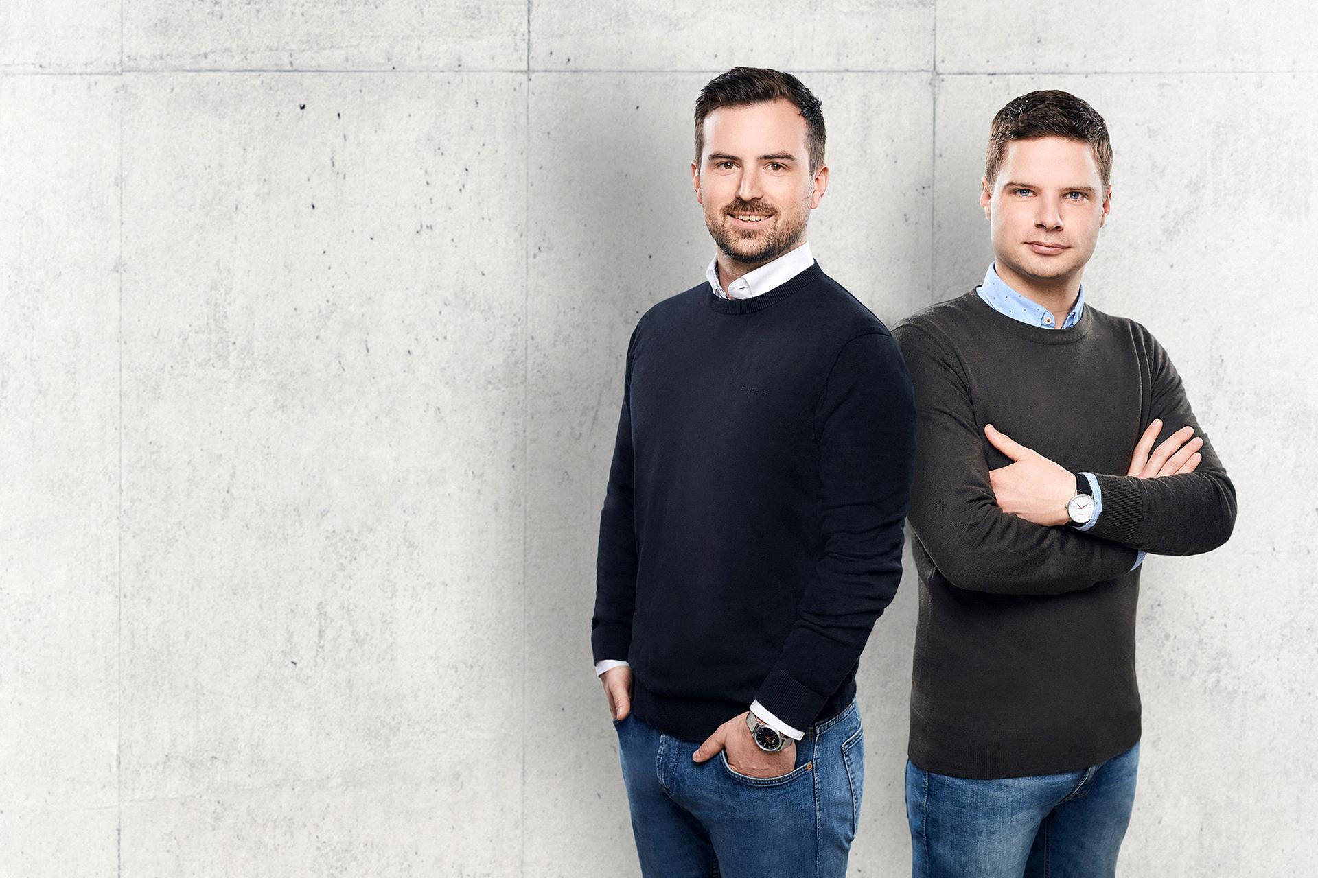 Natürlich tragen Florian Hepp und Christoph Weil ihre Aerostat auch selbst