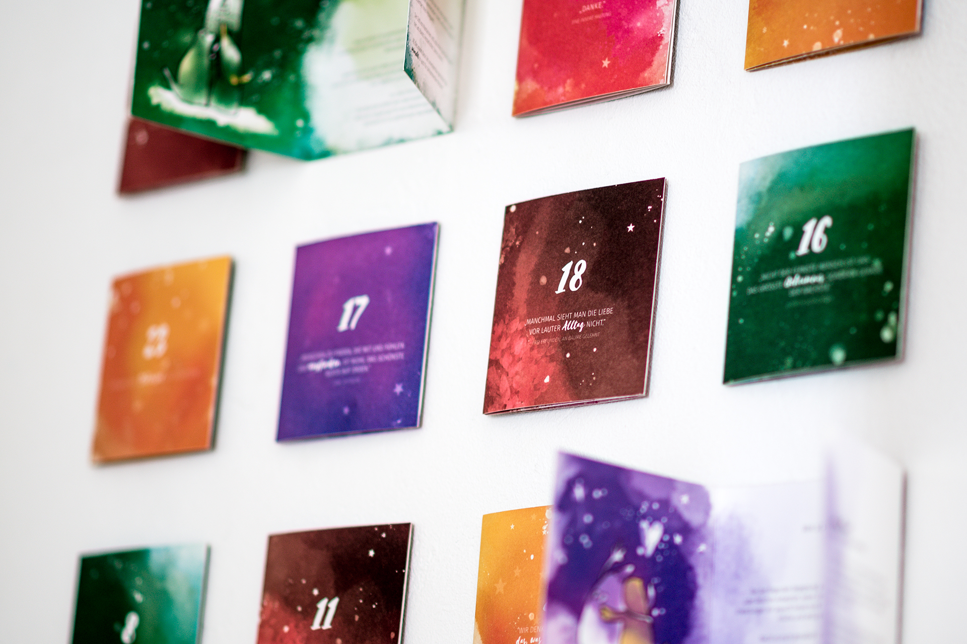 Die fröhlichen Farben der Storycards sorgen für gute Laune