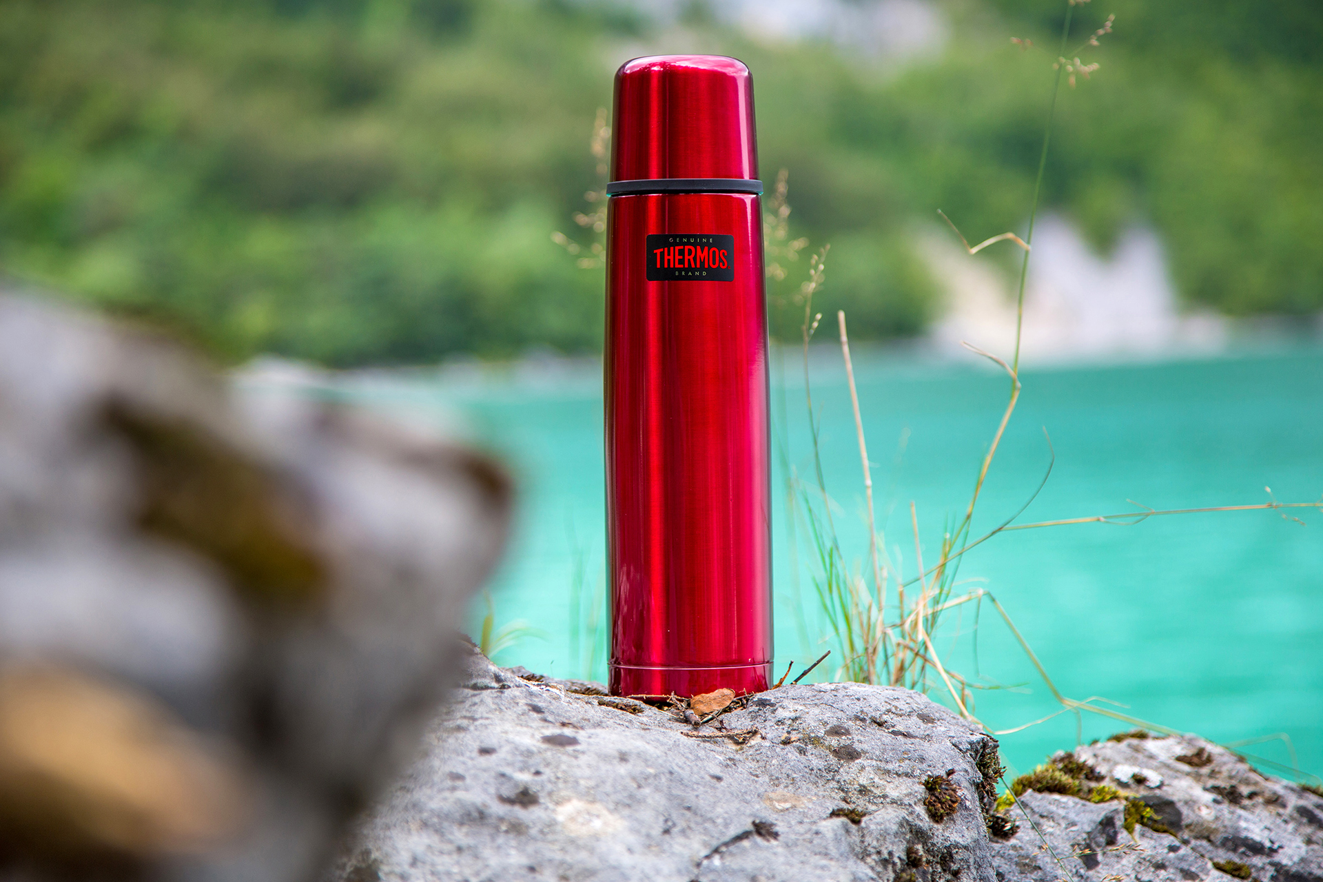 Das Original für Originale: Light & Compact von Thermos in Cranberry
