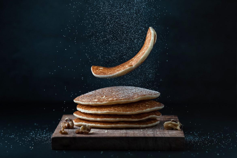 Pancakes mit Honig und Walnüssen