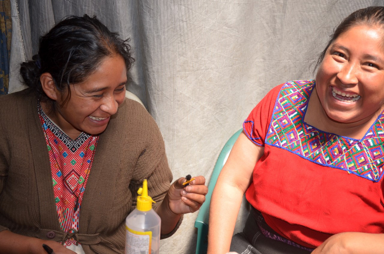 Haben gut lachen: die Frauen des Social Design Labels Nata Y Limón