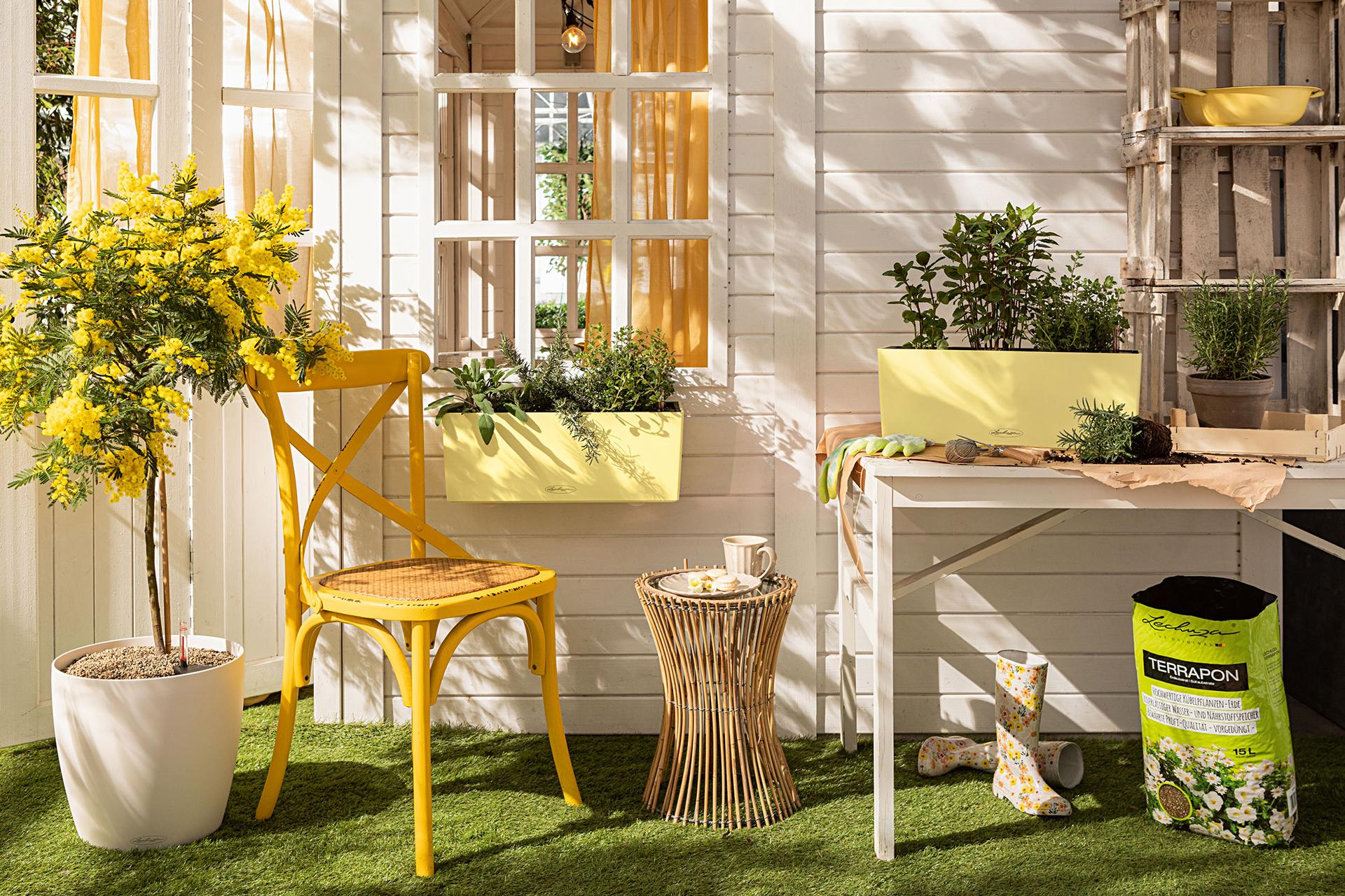 Zitroniges Gelb für den eigenen Balkon: BALCONERA in der Sonderfarbe Lemon