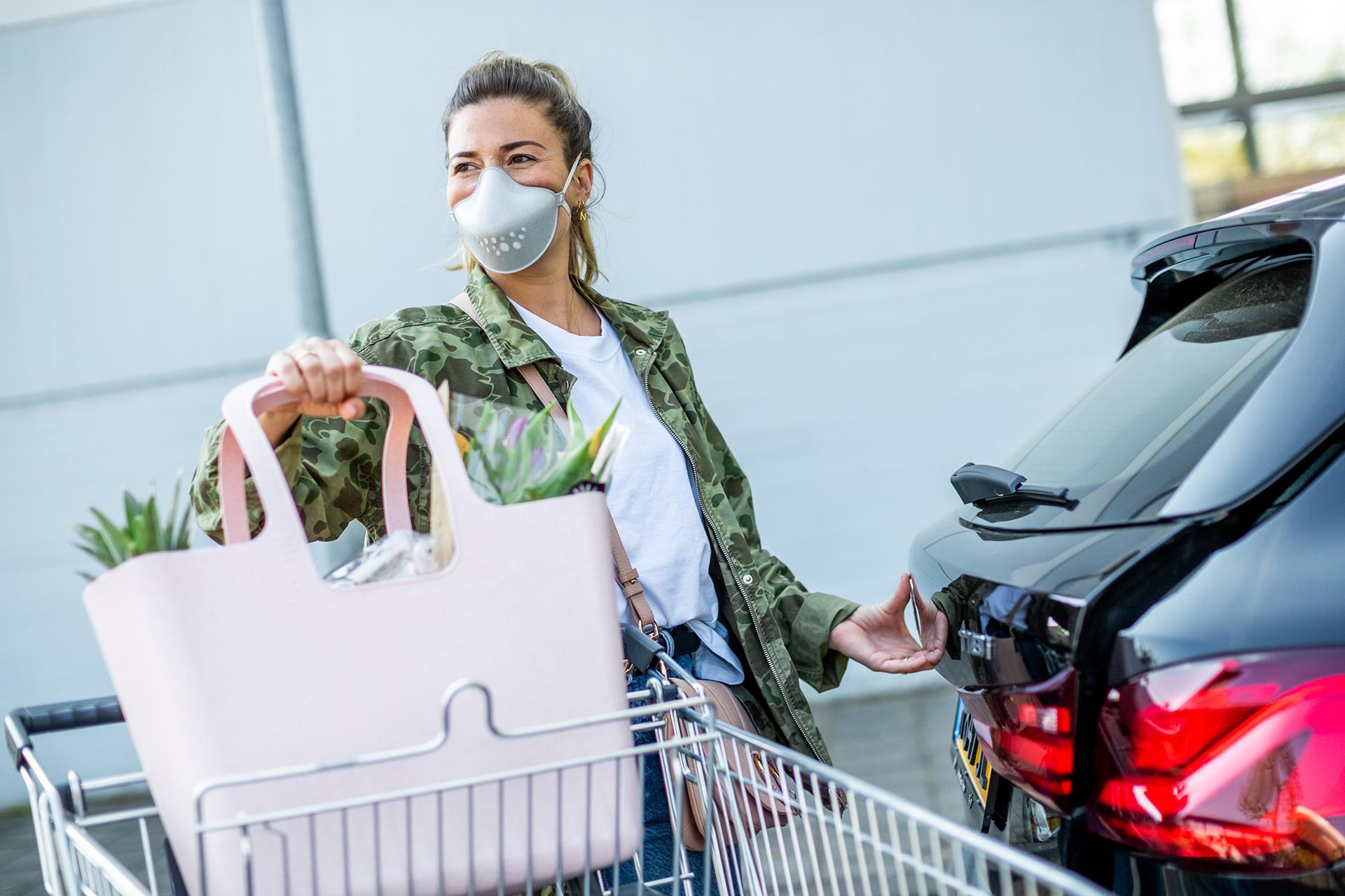 Auch beim Einkaufen musst du nun stets eine Gesichtsmaske tragen